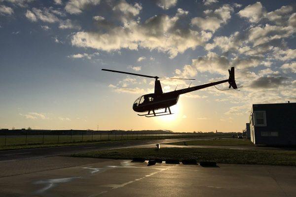 helikopter R44