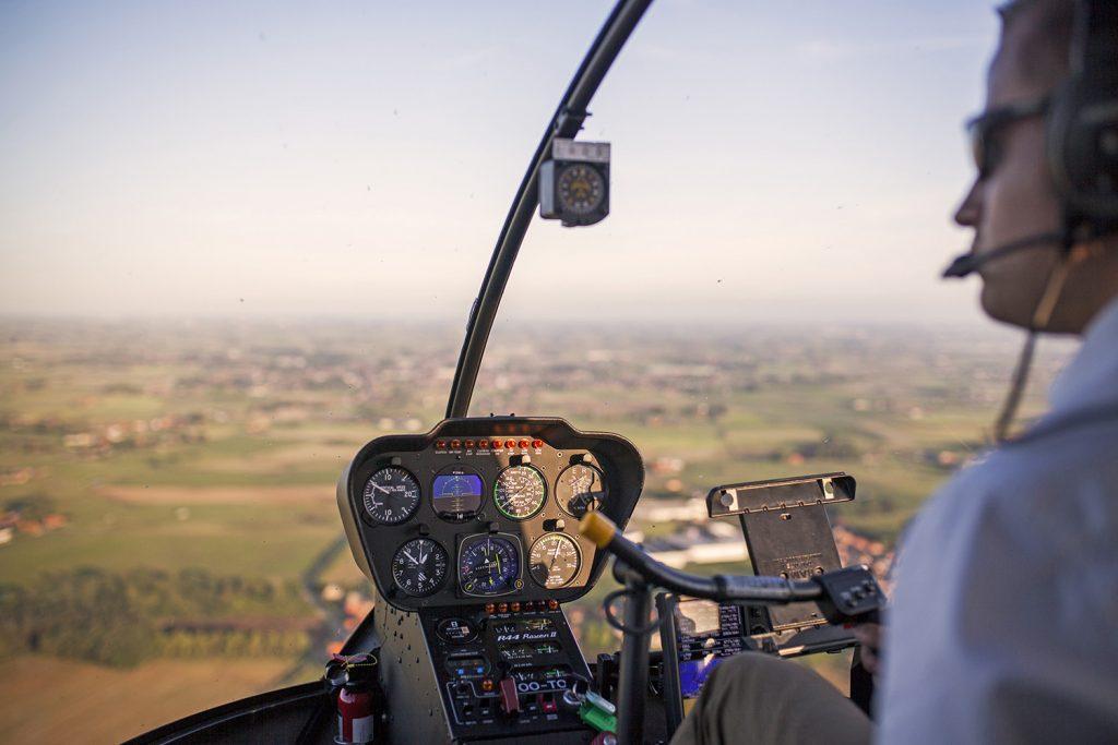 Leren helikopter vliegen
